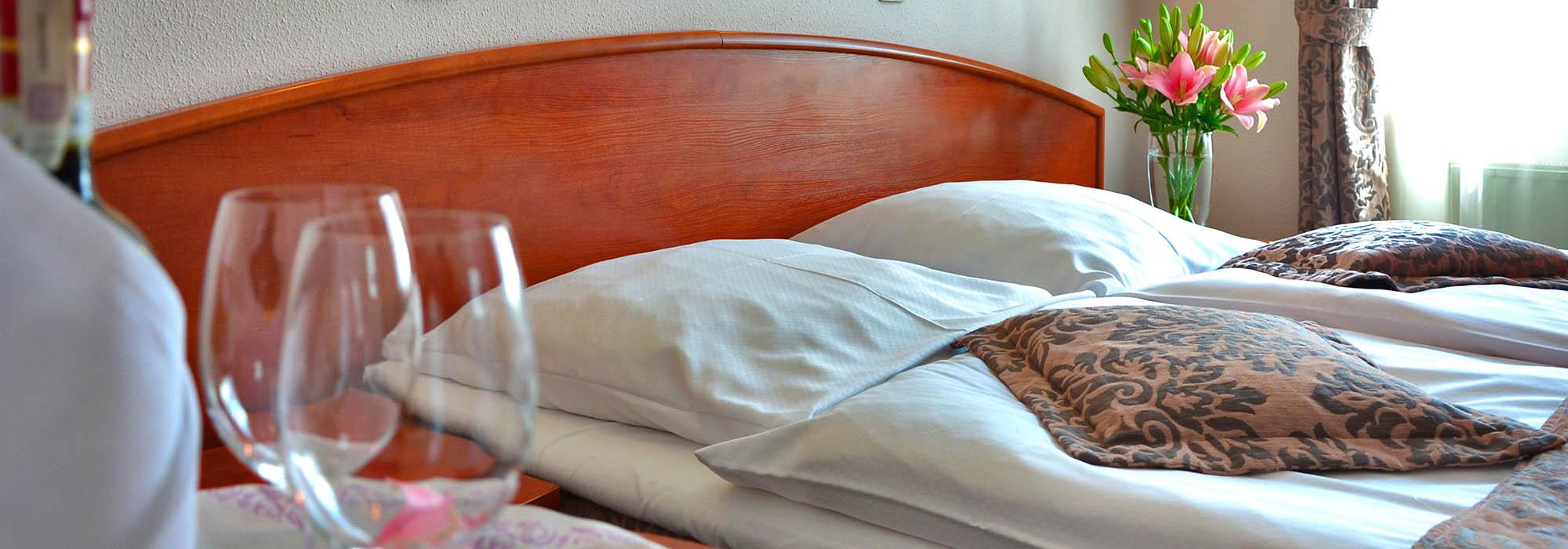 hotel-room-1261900-pixabay