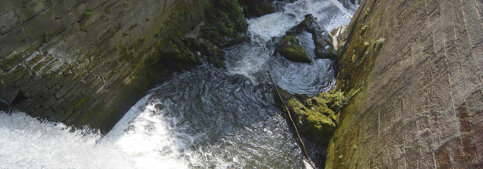 _ARN1236_Saarburg_Wasserfall